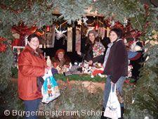 Schöntaler Glitzerstand auf dem Weihnachtsmarkt.